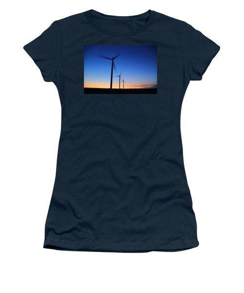 Milling Around Women's T-Shirt