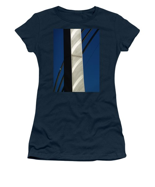 The Sail Sculpture  Women's T-Shirt (Athletic Fit)