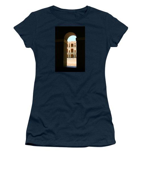 Ventana De Arco Women's T-Shirt (Athletic Fit)