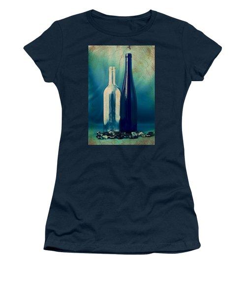 Vino Women's T-Shirt