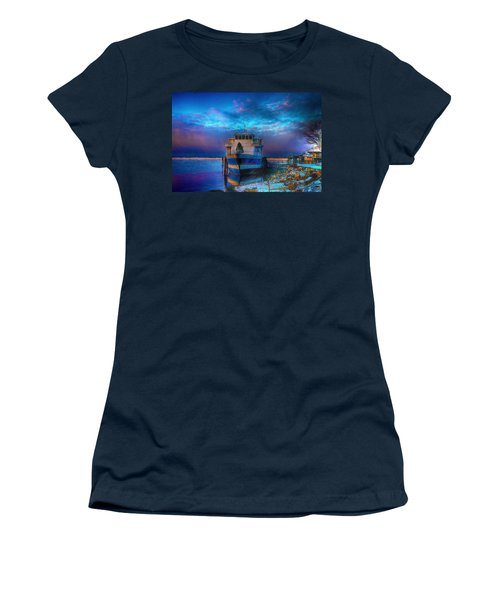 Welcome Sun Breaking The Cold Women's T-Shirt (Athletic Fit)