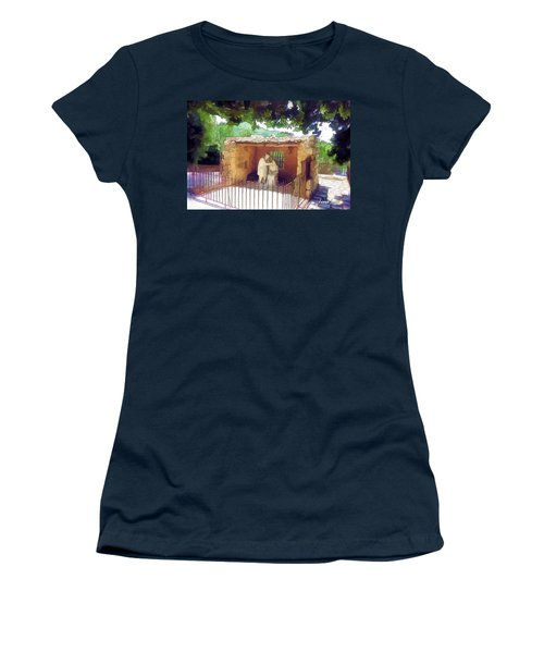 Do-00500 St Rafqa Statue Women's T-Shirt (Athletic Fit)