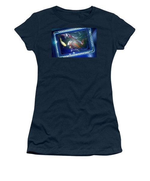 Framed Coy  Women's T-Shirt