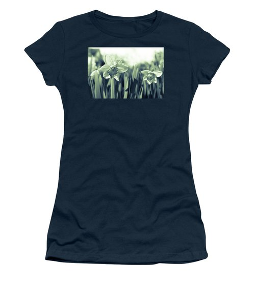 Beautiful Daffodil Women's T-Shirt (Athletic Fit)