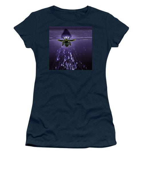 Bee Drilling Wood Women's T-Shirt