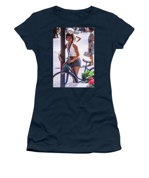 Bird Girl Women's T-Shirt