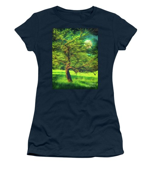 Bowing To The Moon Women's T-Shirt
