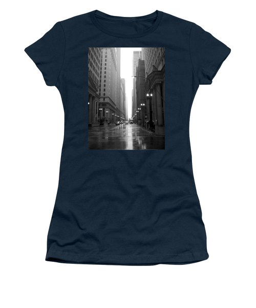 Chicago In The Rain 2 B-w Women's T-Shirt