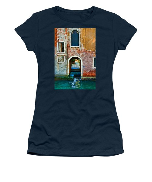 Dock And Windows Women's T-Shirt (Athletic Fit)
