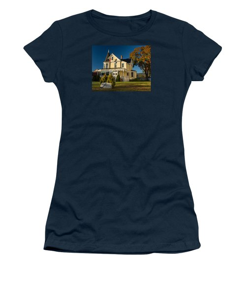 Gibson Woodbury House North Conway Women's T-Shirt (Athletic Fit)