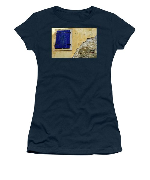 Groznjan Istrian Hill Town Stonework And Blue Shutters  - Istria, Croatia Women's T-Shirt