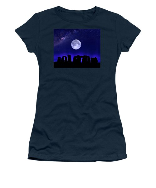 Henge Under The Supermoon Women's T-Shirt