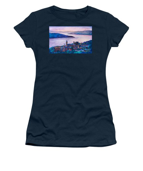 Ithaca Ny Women's T-Shirt (Athletic Fit)