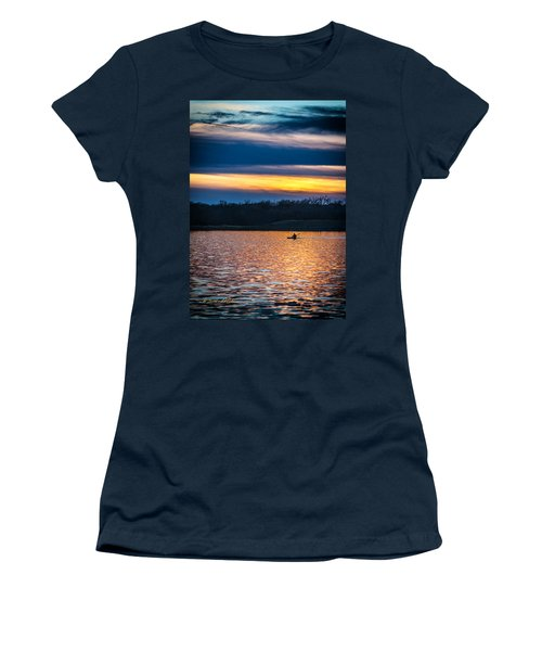 Kayak Sunset Women's T-Shirt