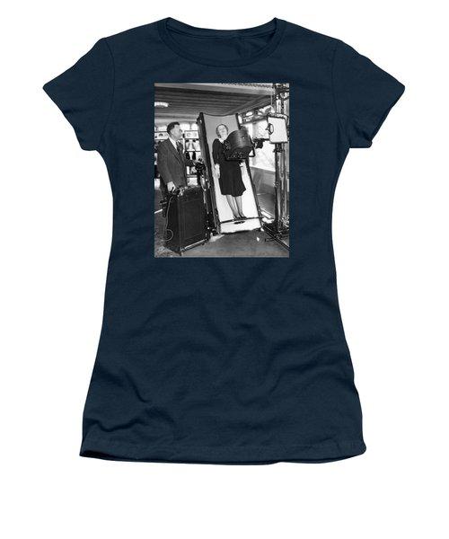 Latest X-ray Machine Women's T-Shirt