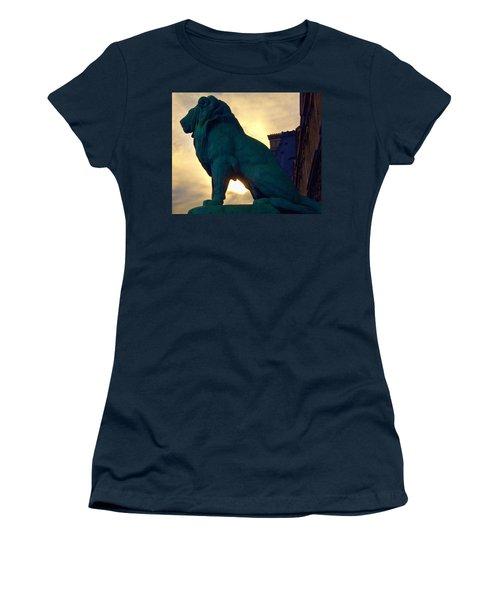 Louve Lion Women's T-Shirt (Athletic Fit)