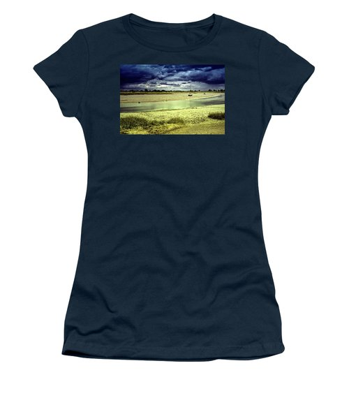 Maldon Estuary Towards The Sea Women's T-Shirt