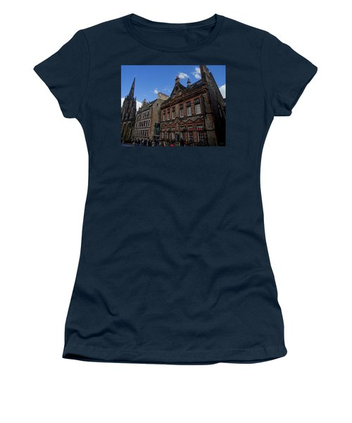 Museo Del Whisky Edimburgo Women's T-Shirt (Junior Cut) by Eduardo Abella