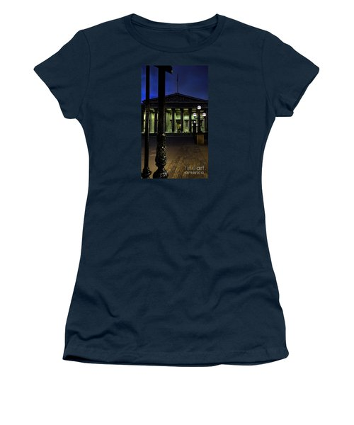 Night At The Museum Women's T-Shirt (Athletic Fit)