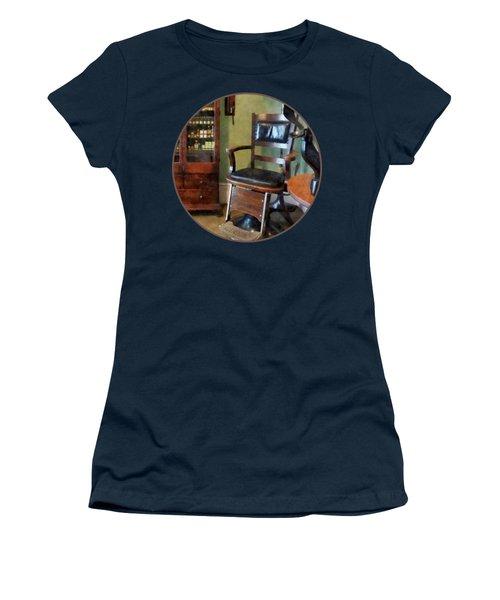 Optometrist - Eye Doctor's Office Women's T-Shirt