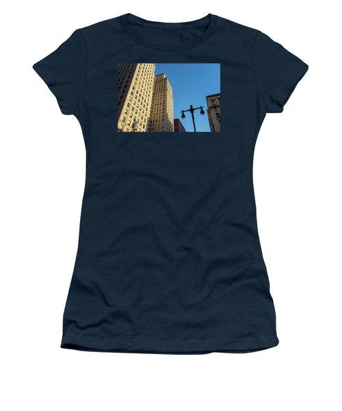 Philadelphia Urban Landscape - 0948 Women's T-Shirt