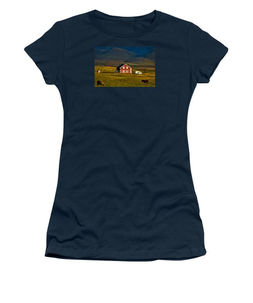 Red House And Horses - Iceland Women's T-Shirt (Athletic Fit)