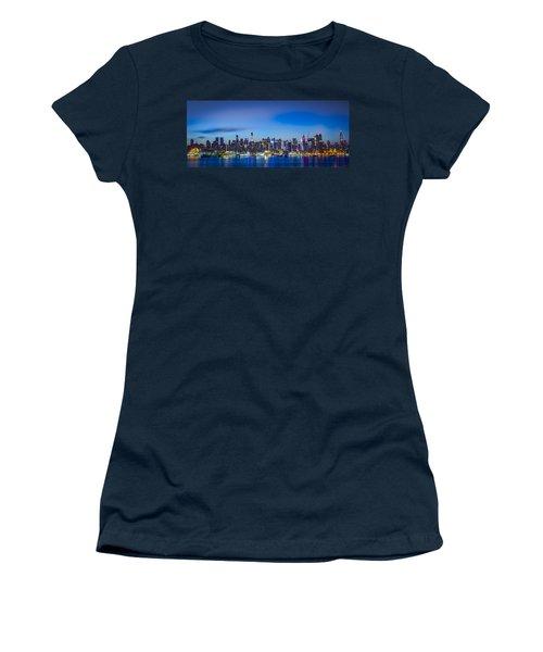 Skyline Nyc Before Sunrise Women's T-Shirt