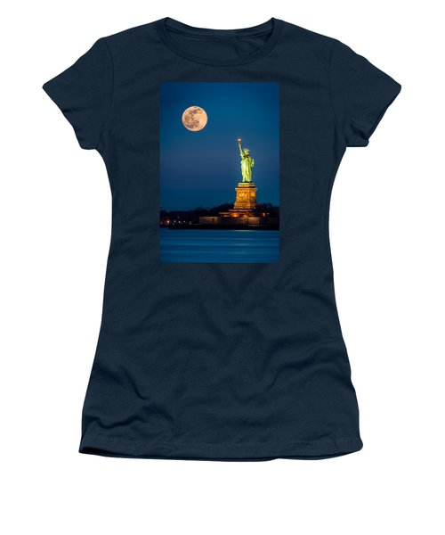 Statue Of Liberty And A Rising Supermoon In New York City Women's T-Shirt (Athletic Fit)