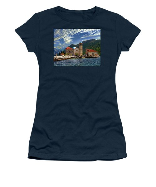 The Lady Of The Rocks Women's T-Shirt