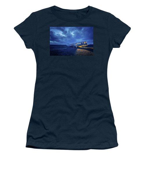 Dc-3 Plane Wreck Illuminated Night Iceland Women's T-Shirt