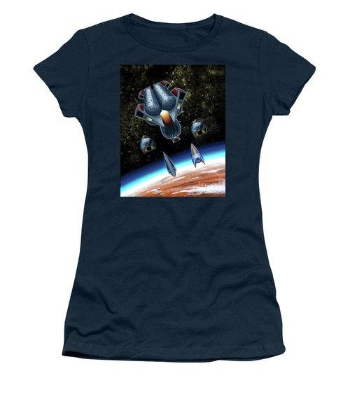 Mangle Approaches Nisip Women's T-Shirt