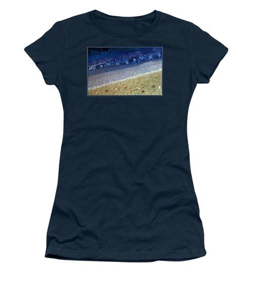 She Sews Seashells On The Seashore Women's T-Shirt