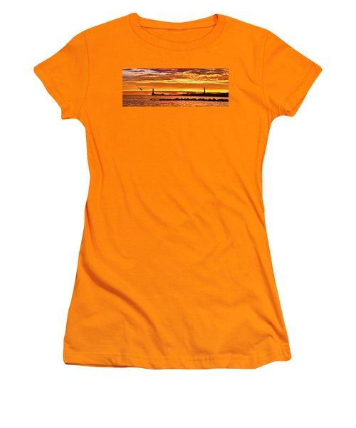 Aberdeen Sunrise Women's T-Shirt (Athletic Fit)