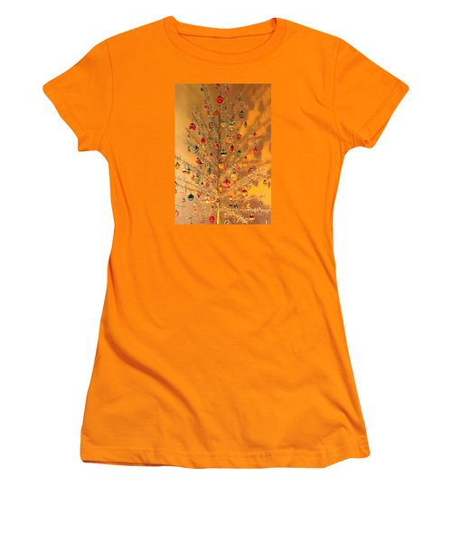An Old Fashioned Christmas - Aluminum Tree Women's T-Shirt (Junior Cut) by Suzanne Gaff