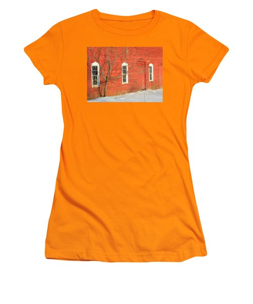 Women's T-Shirt (Junior Cut) featuring the photograph Barnwall In Winter by Rodney Lee Williams