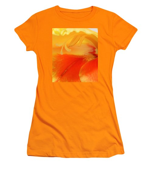 Gladiola Hello Women's T-Shirt (Athletic Fit)