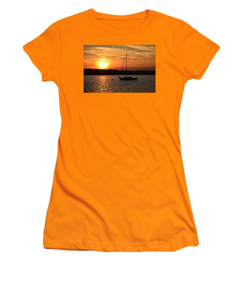 Island Heights Sunset Women's T-Shirt (Athletic Fit)