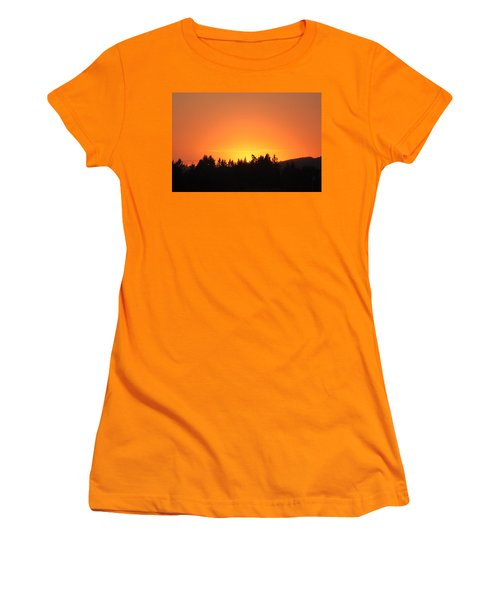 Women's T-Shirt (Junior Cut) featuring the photograph Oregon Sunset by Melanie Lankford Photography