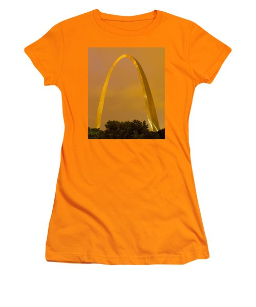 The Arch In The Glow Of St Louis City Lights At Night Women's T-Shirt (Athletic Fit)