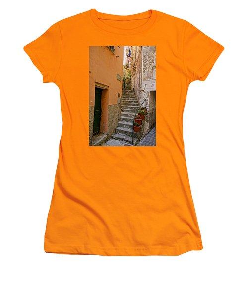 Vicolo Della Valle Riomaggiore Italy Dsc02537  Women's T-Shirt (Junior Cut) by Greg Kluempers