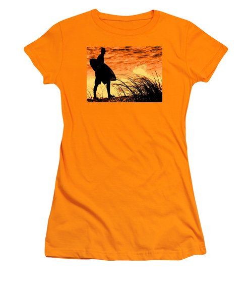 Wave Search Women's T-Shirt (Athletic Fit)