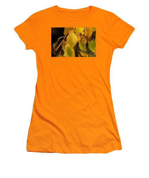 Women's T-Shirt (Junior Cut) featuring the photograph Autumn Birch In Southern Oregon by Mick Anderson