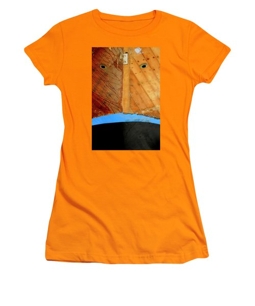 Women's T-Shirt (Junior Cut) featuring the photograph The Face by Pedro Cardona