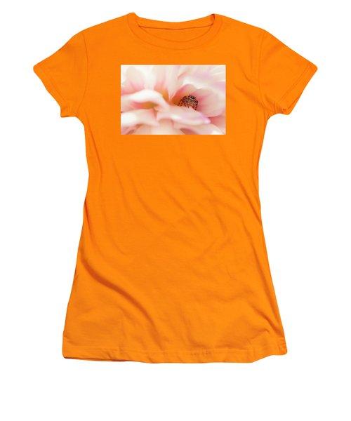 Dahlia Cafe Women's T-Shirt (Athletic Fit)