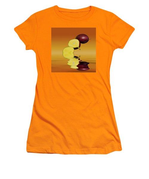 Fresh Ripe Mango Fruits Women's T-Shirt (Junior Cut) by David French
