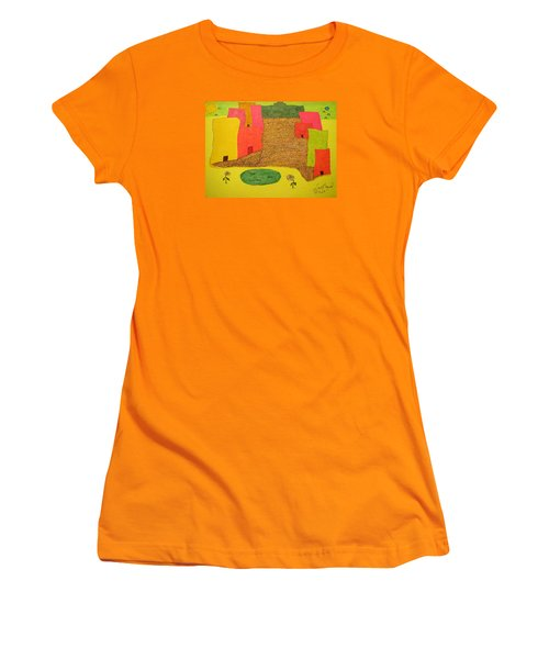 10 Flat Buildings With Fish Pool Women's T-Shirt (Athletic Fit)