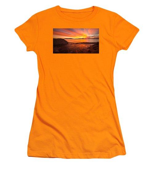 Lake Winnipesaukee Women's T-Shirt (Junior Cut)