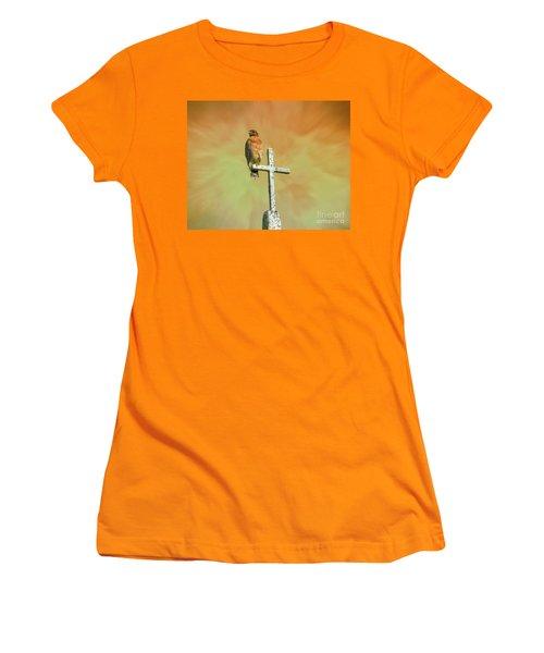 Women's T-Shirt (Junior Cut) featuring the photograph A Powerful Perch by Myrna Bradshaw