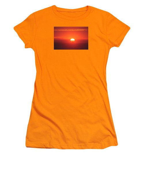 Challenging The Sun Women's T-Shirt (Junior Cut)