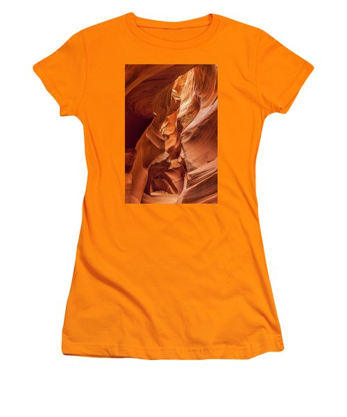 Closing In Women's T-Shirt (Athletic Fit)